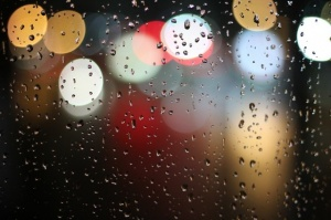 lights-water-blur-rain-21492.jpg